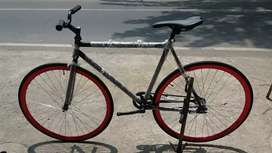 Sepeda Fixie rakitan frame lokal