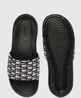 Nike sliper