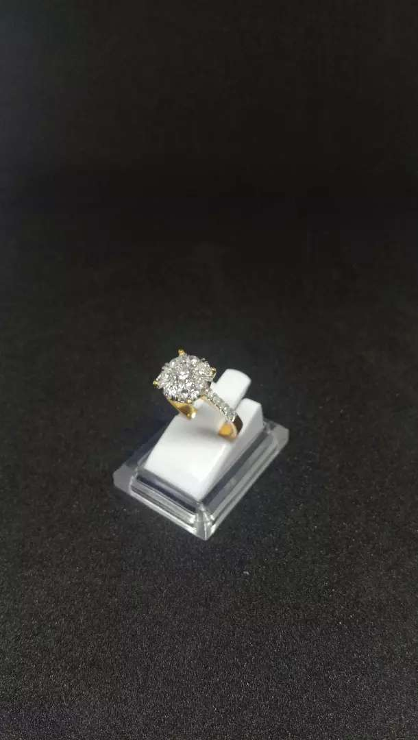 Cincin emas berlian wanita 0