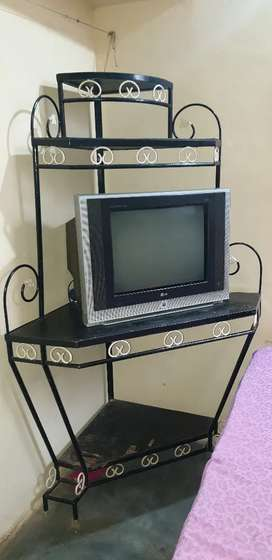 Hi guys I want to sale this tv stand