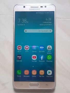 Samsung j 7 max 4 gb .32.gb