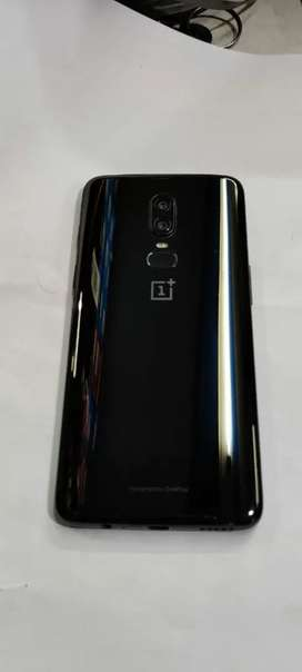 Oneplus6 at brand new condition lady use