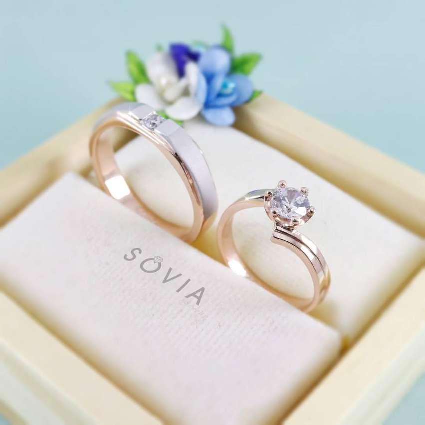 menjual cincin nikah sepasang bebas custom harga murah desain terbaru 0
