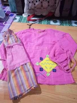 di borongkan baju anak cwe umur 7-9 tahun bekas