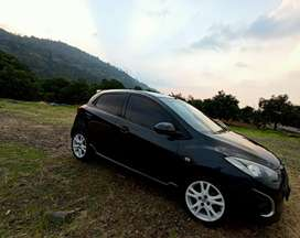 Jual mazda 2 th 2010 type R automatic perfect condition