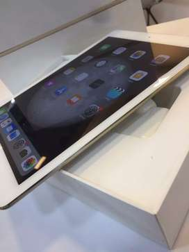 iPad air2 128gb { gold colour }