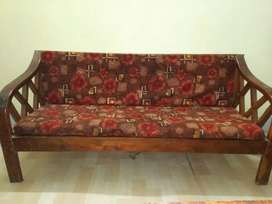Sofa set in very good condition.