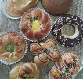 Dibutuhkan baker menguasai roti manis dan bolu