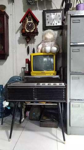 radio jangky transistor dan turntable national jadul vintage