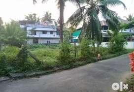 9 cent orginal land at paravur vazhikulangara main road 200 mtr