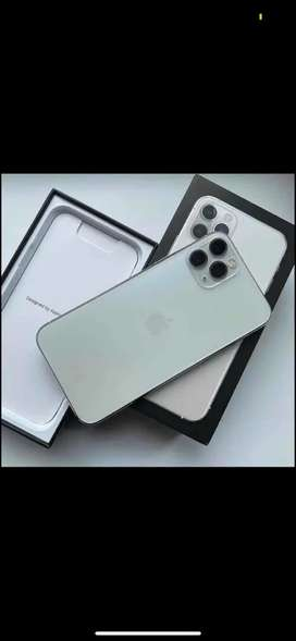 Apple Iphone with bill accessories available intrested CALL ME PLEASE
