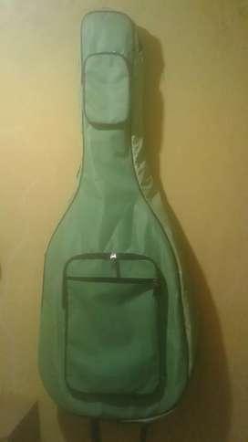 Hardcase gitar hijau