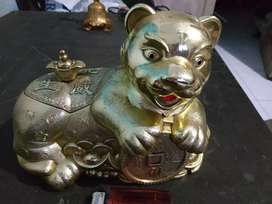 patung singa bisa tempat perhiasan / celengan antik lawas.