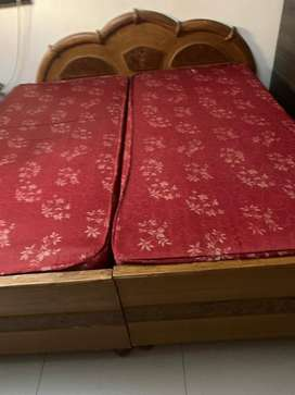 Queen sized double bed, best quality wood for 12,000