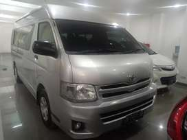 Toyota HI ACE  Commuter MT th2013