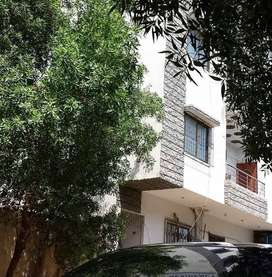 Portion apartment corner wopen 3 bed DD with roof Gulistan e Johar sel