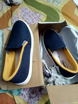 A real comfortable shoe . Completely new in perfect condition ,