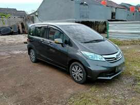 HONDA FREED 1.5 PSD E AT/MATIC 2013 KREDIT DP RINGAN