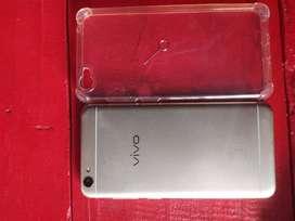 Bhai phone ekadam mast new condition hai