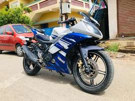 Yamaha r15 v2 2014 model single owner Excellent condition