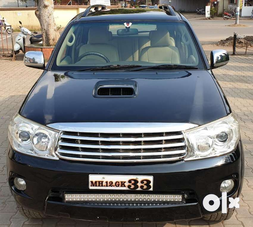 Toyota Fortuner 4x4 Manual Limited Edition, 2010, Diesel 0