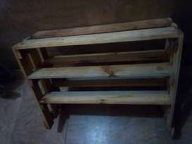 Wood shelf or bohat se items jo ap chahe hamare pas mojud he