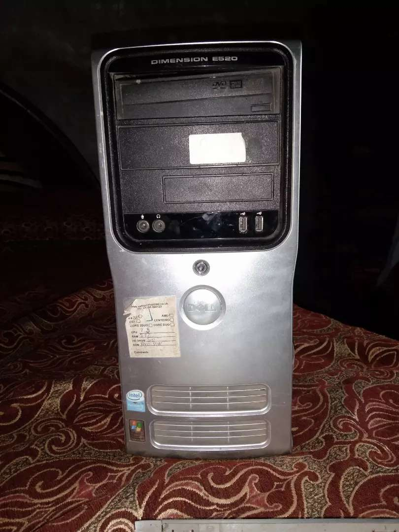 CPU for sale just in 3000 core 2due 4GB RAM.500 GB HARD 0