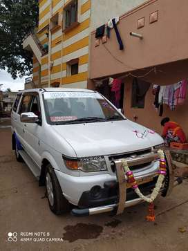 Chevrolet Tavera Neo 2016 Diesel 100000 Km Driven and good condition