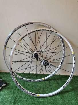 Nego Wheelset mavic ksyrium equipe putih copotan helios 500