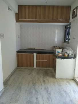 2 bhk semi fur 2nd floor flat near eva mall for rent at manjalpur