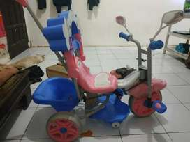 Sepeda dorong anak family