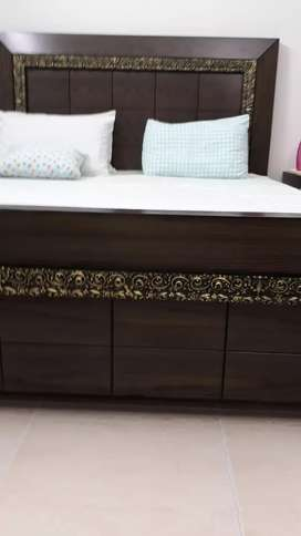 DOUBLE BED WITH DRESSING/SIDE TABLES