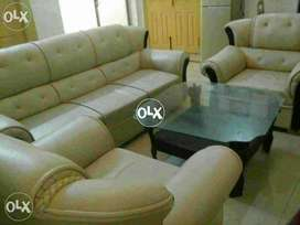 Loot Marr sale Al Muslim Furniture Mall 5 seater sofa set only 13499