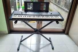 Digital Piano Keyboard Yamaha PSR-E253