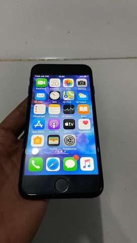 Jual iphone 7 32gb jet black original