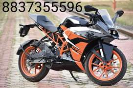 Ktm RC 200 just showroom condition... money problem