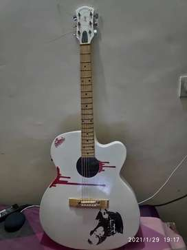 Best Condition Bob Marley Signature White Semi electric guitar
