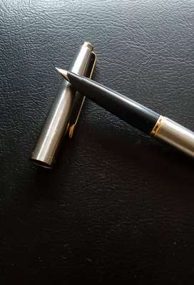 Parker 45 fighter fountain pen with 14k gold fine nib