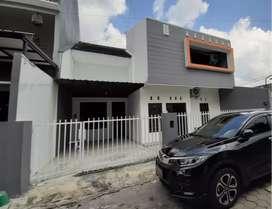 Rumah mewah full furnished, lokasi premium, hook, dekat Pusat Kota