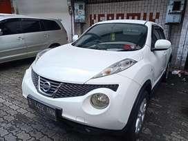 Nissan Juke putih matic