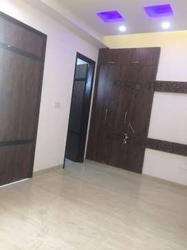 4 bhk (220 meter) independent floor niti khand-1 indirapuram