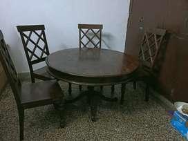 4 seater sesham wood dinning table