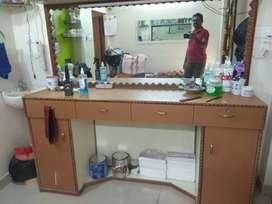 beauty parlour furniture