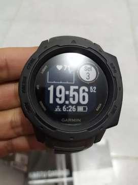 Jam tangan Garmin Instinct (Sport watch)