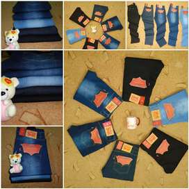 Levi's pents available