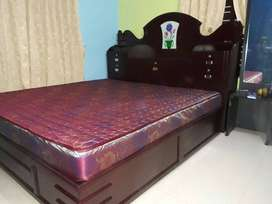 NEW COTS. FREE DELIVERY. QUEEN SIZE FASHION COTS. CALL.