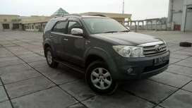 Toyota Fortuner 2.7 G luxury 2010 automatic