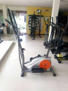 Workout With CW 303 Model Elliptical Cross Trainer