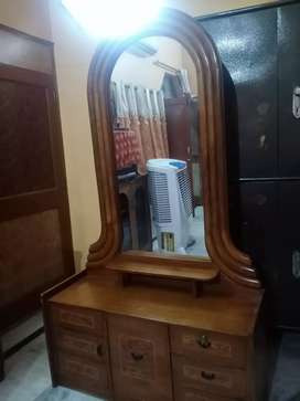 Dressing table 3 year old new condition