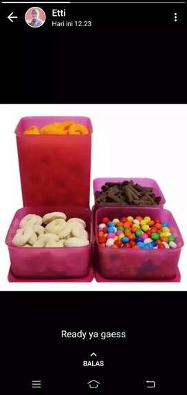 Satu set candy ware